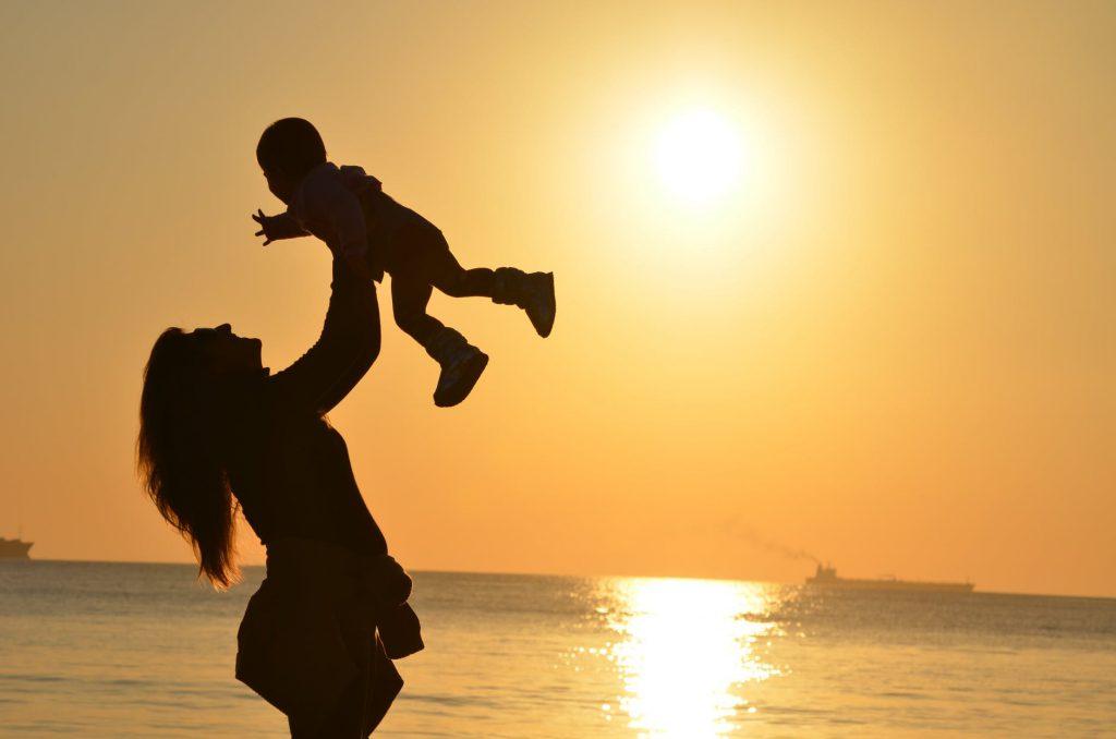 Es nai, es muller, es única, es a túa mellor versión